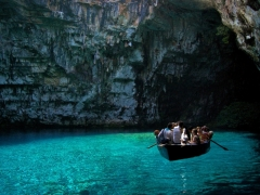 Вход в пещеру Мелиссани,  Кефалония