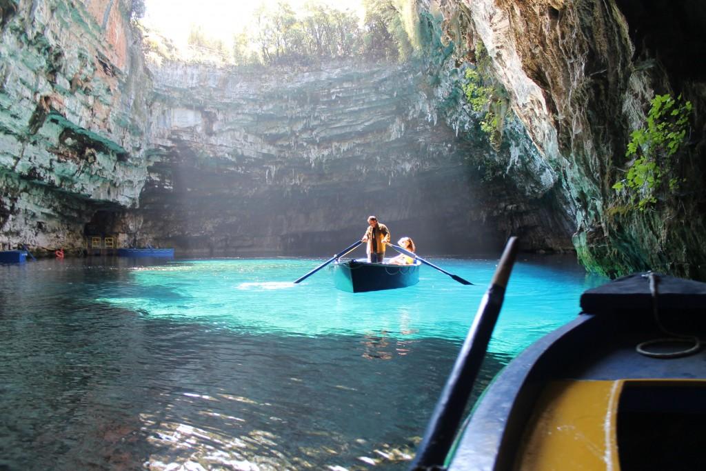 подземное озеро Мелисани