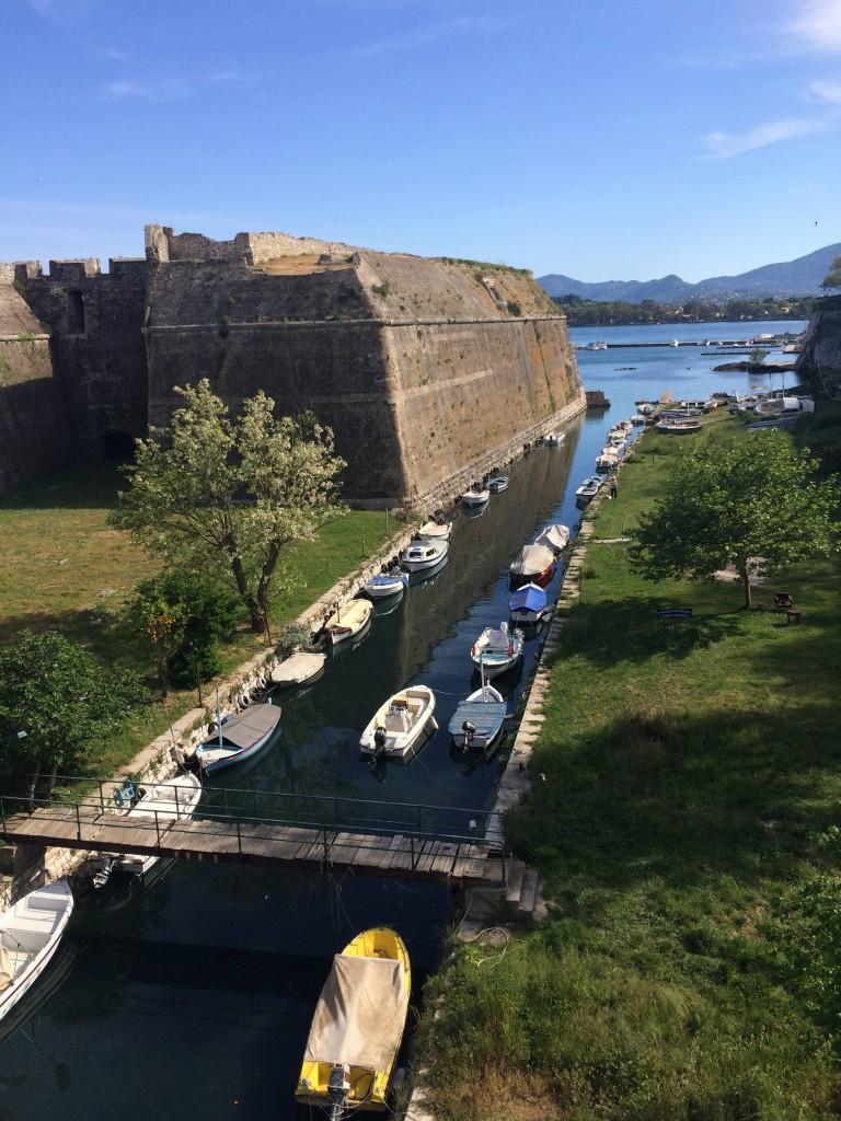 Старая крепость , построена в 7-9 веках