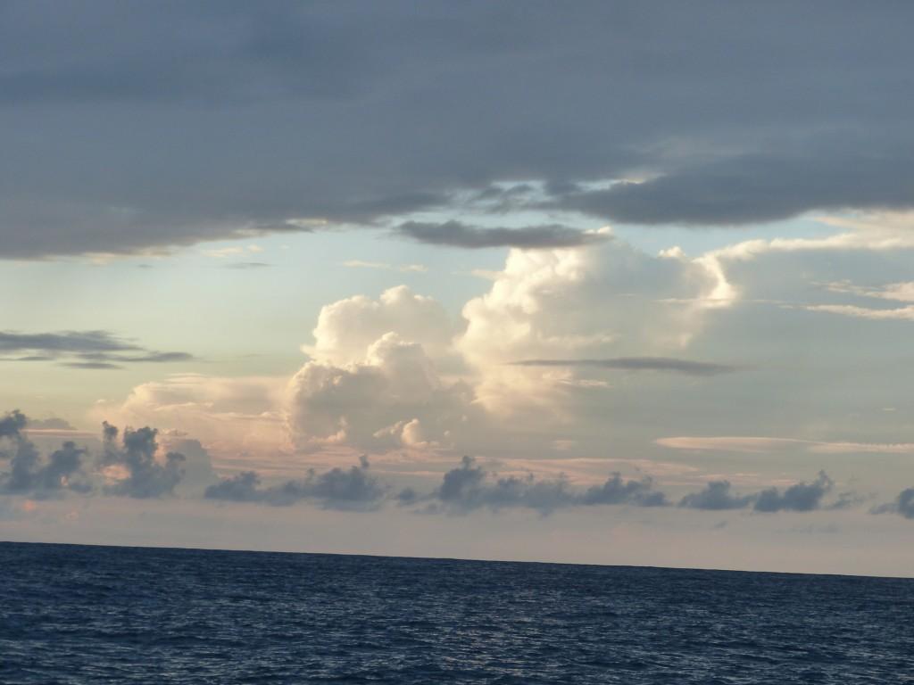 тучи в океане