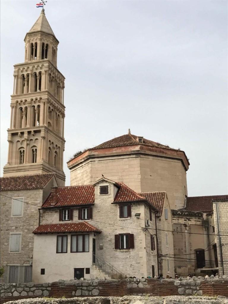 колокольня Собора святого Дуэ